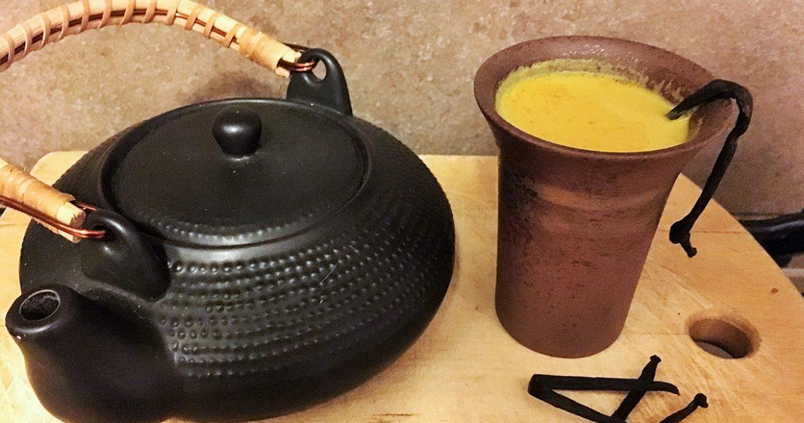 La ricetta per il Golden Drink: una bevanda vegetale a base di curcuma per potenziare l'organismo, bilanciare il metabolismo e rafforzare il sistema immunitario. Con l'arrivo del freddo e con […]