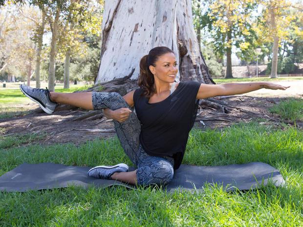 Vuoi iniziare a praticare yoga ma non sei decisa? Scopri come farlo e perché lo yoga è utile al tuo corpo ed alla tua mente!  Vorrei iniziare questo post […]