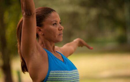Sviluppa l'equilibrio psicofisico e rafforza la parte anteriore e posteriore del corpo migliorando al contempo la mobilità delle anche: praticareyoga ha tanti benefici, sul piano mentale e su quello fisico, […]